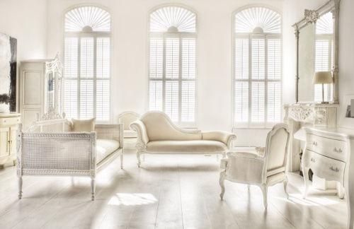 Мебель и стены белого цвета