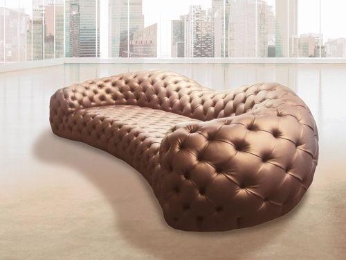 Оригинальный диван в каретной стяжке