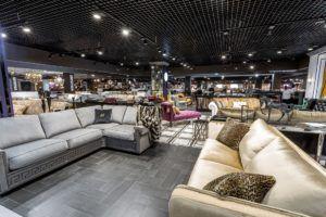 большой выбор диванов